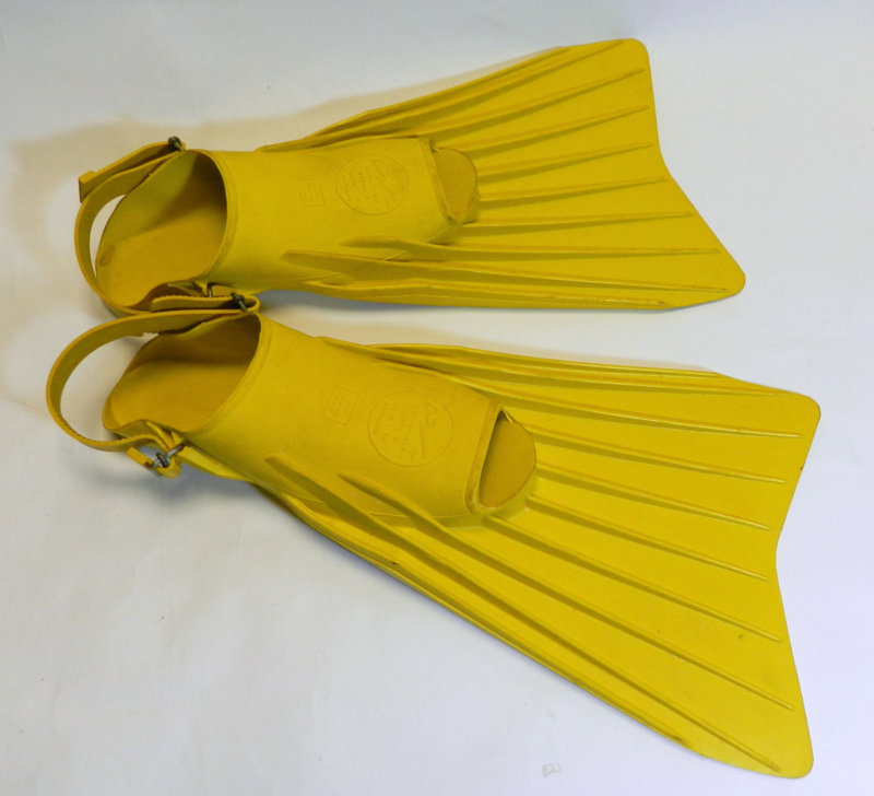 Brit-Marine-yellow-diver-Fins-flippers-adjustable-size 1.jpg