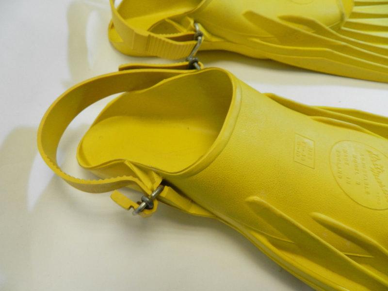 Brit-Marine-yellow-diver-Fins-flippers-adjustable-size 3.jpg