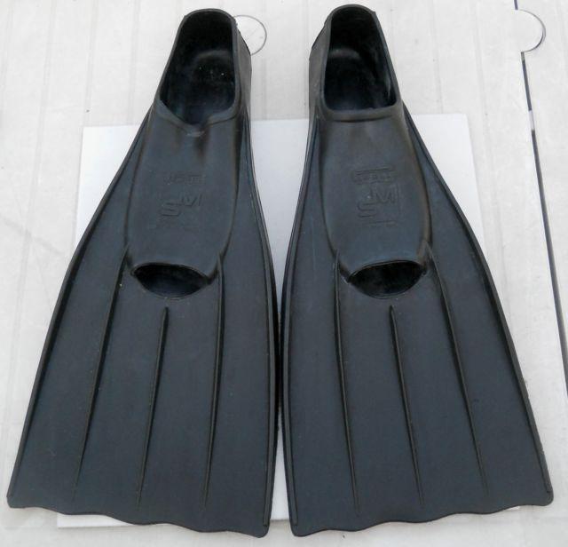 1//6th Scale Vintage Scuba Fins #1