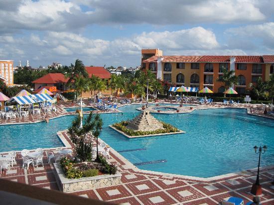 pool-largest-in-cozumel.jpg