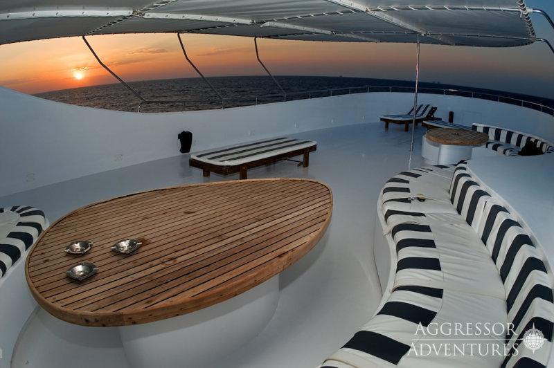 SA-Yacht10.jpg